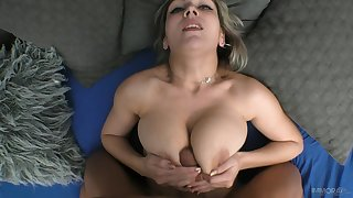 POV video of a lucky supplicant obtaining his stiff dick sucked by Siya Jey