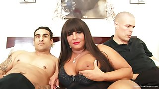 Be in charge BBW milf gets pounded overwrought two young guys