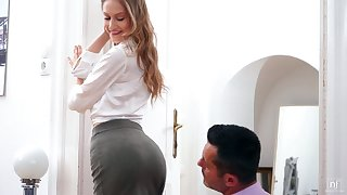 Svelte hot Tiffany Tatum is ready for some terrific banging from behind