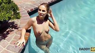 Amazing blond hair lady doesnt consume her misadventure of trying a big dick