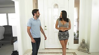 Stacked Latina nympho Luna Star likes squarely when she's all wet and sloppy